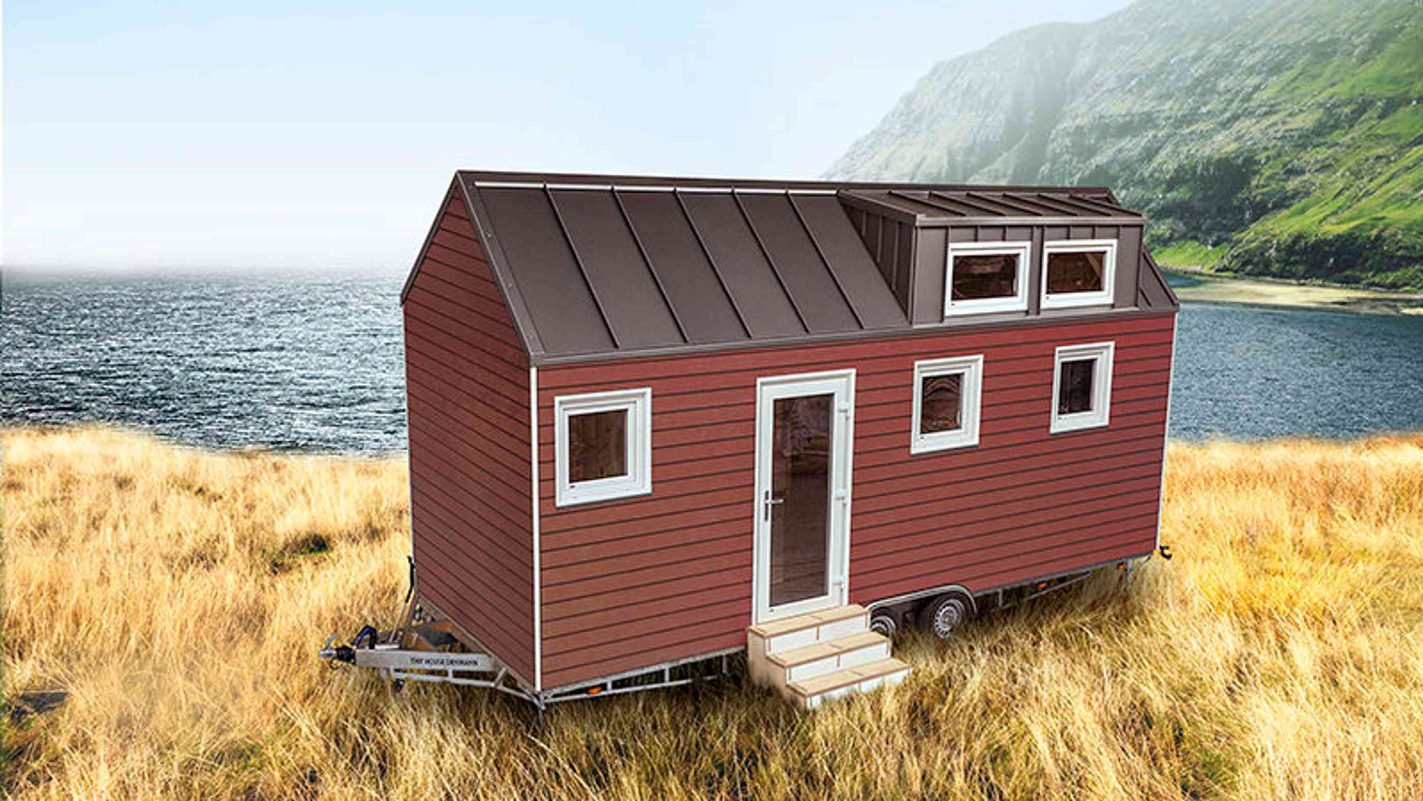rotes Minihaus am Meer