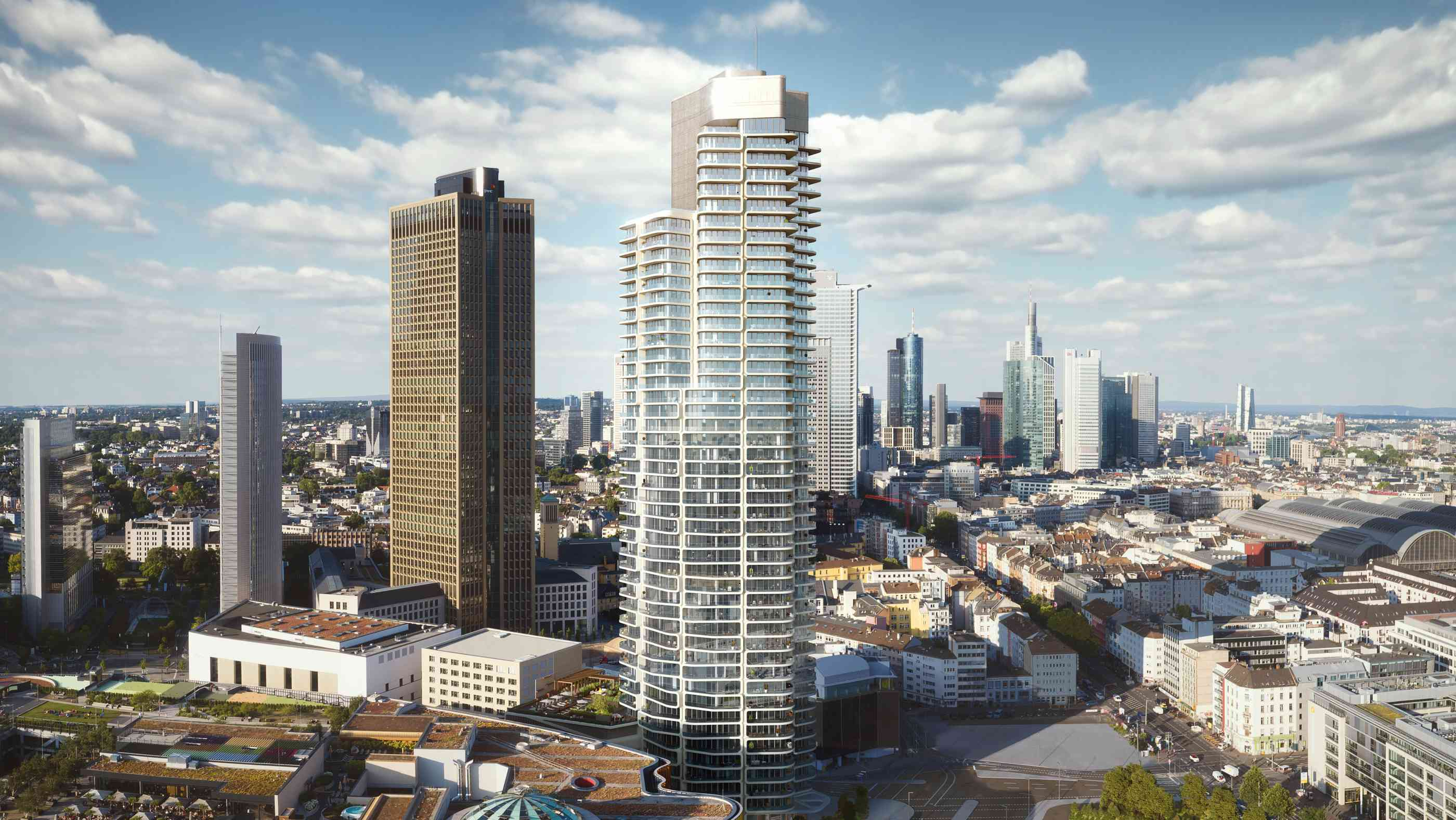Grand Tower mit der Frankfurter Skyline