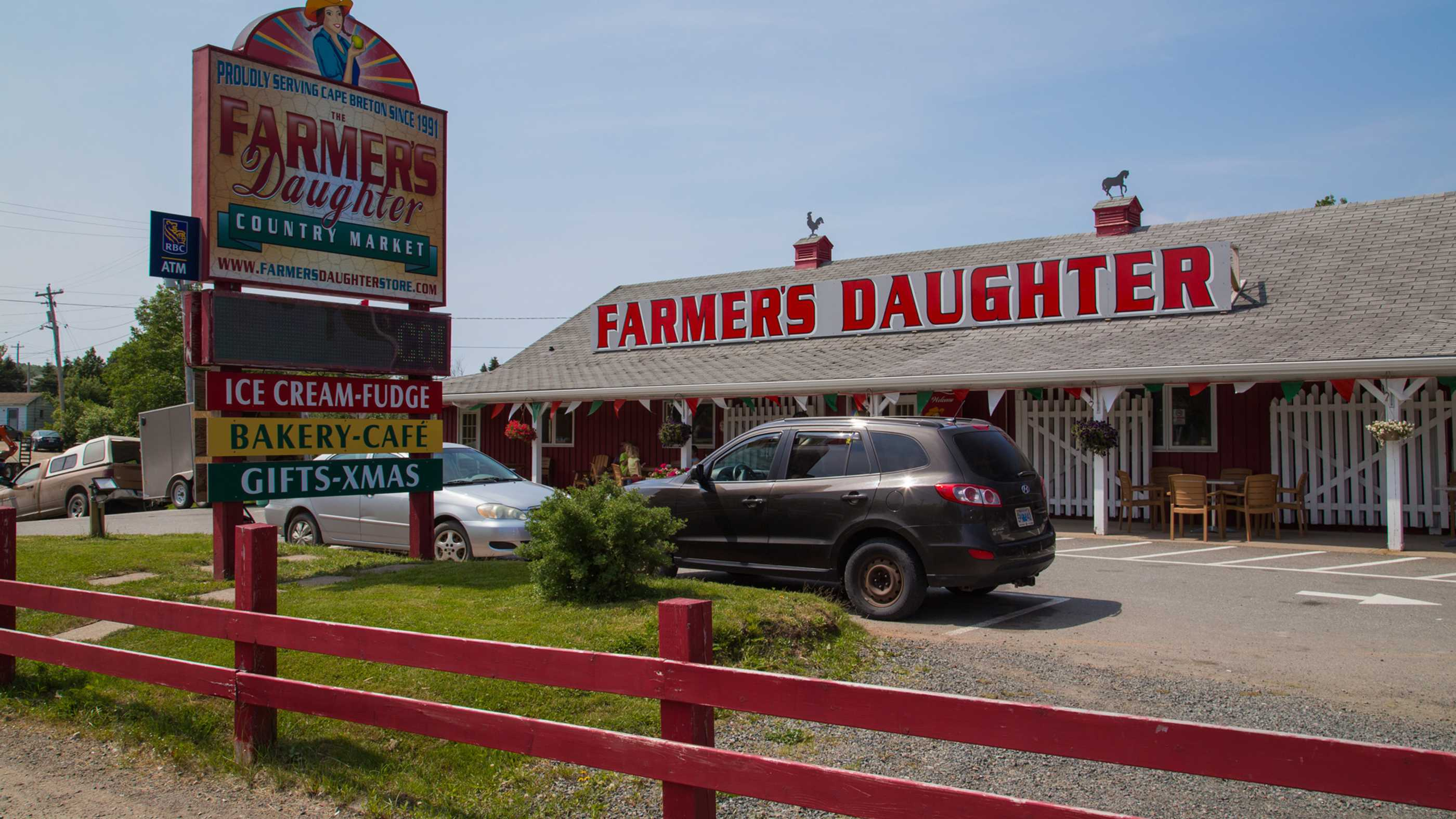 Der Farmers Daughter Country Market